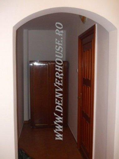 Apartament cu 2 camere de vanzare, confort 1, zona Barbu Vacarescu,  Arad