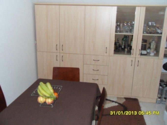 agentie imobiliara vand apartament decomandat, in zona Intim, orasul Arad