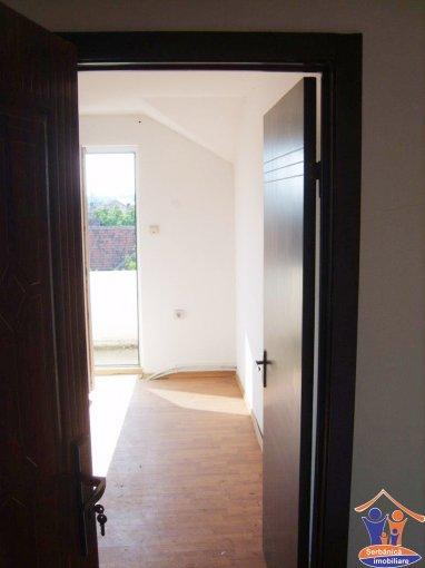 Apartament cu 2 camere de vanzare, confort 1, zona Alfa,  Arad
