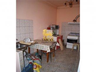 vanzare apartament cu 2 camere, decomandat, orasul Arad