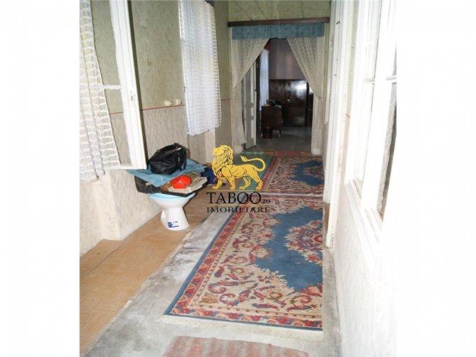 agentie imobiliara vand apartament semidecomandat, orasul Arad