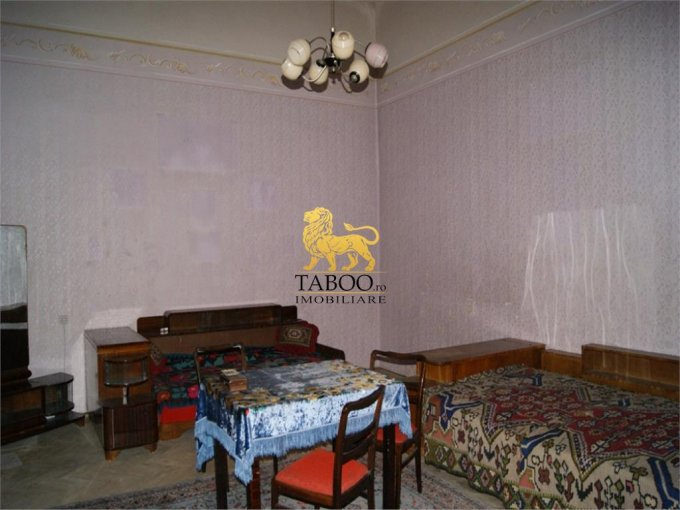 vanzare apartament semidecomandat, orasul Arad, suprafata utila 155 mp