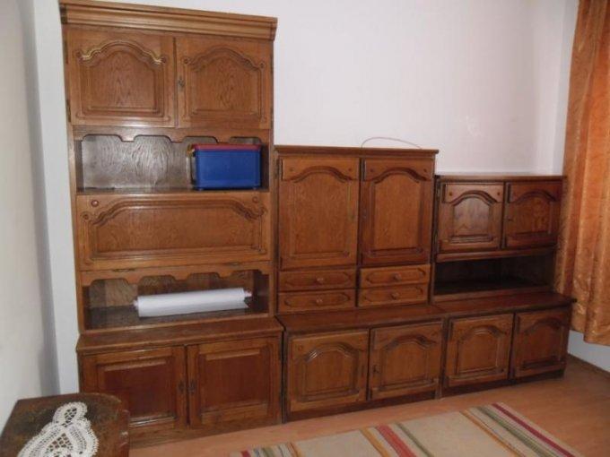 agentie imobiliara vand apartament semidecomandat, in zona Cocorilor, orasul Arad