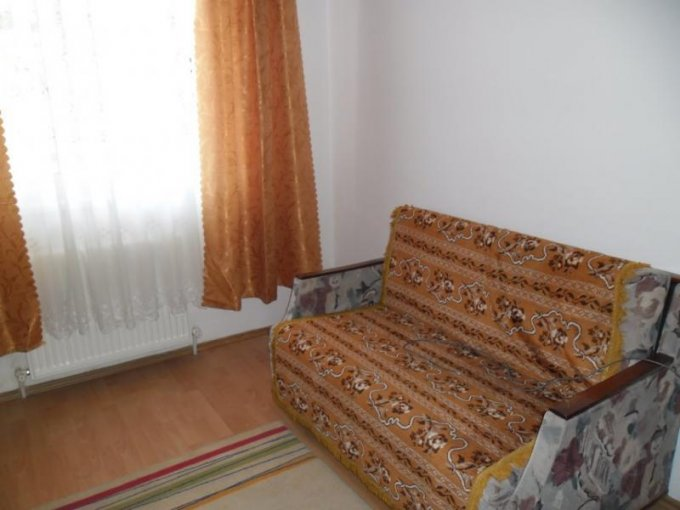 Apartament cu 2 camere de vanzare, confort 1, zona Cocorilor,  Arad