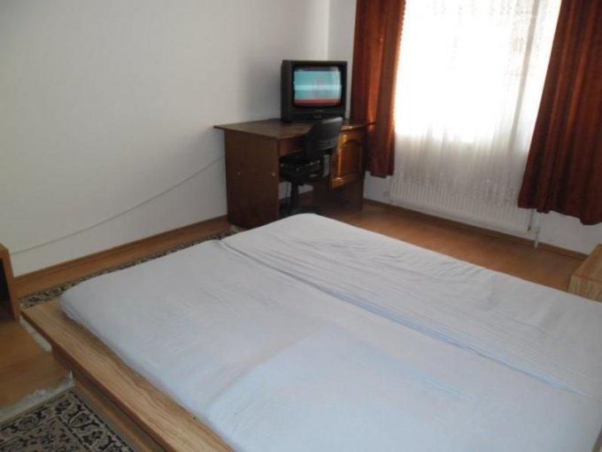 vanzare apartament cu 2 camere, semidecomandat, in zona Cocorilor, orasul Arad