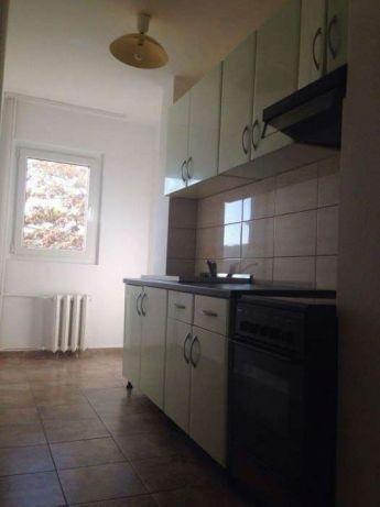 Apartament cu 2 camere de vanzare, confort 1, zona Poetului,  Arad