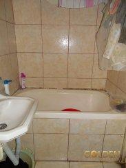 agentie imobiliara vand apartament nedecomandat, in zona Aurel Vlaicu, orasul Arad