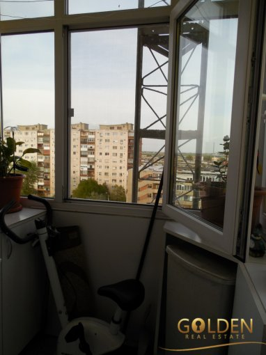 agentie imobiliara vand apartament semidecomandat, in zona Fortuna, orasul Arad
