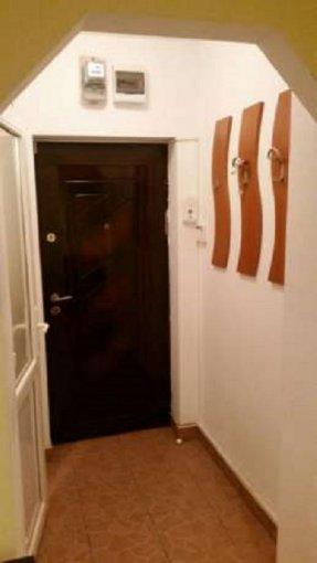 vanzare apartament semidecomandat, zona Gradiste, orasul Arad, suprafata utila 55 mp