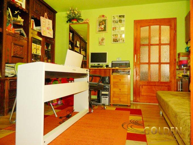 Apartament de vanzare direct de la agentie imobiliara, in Arad, in zona Centru, cu 29.500 euro negociabil. 1 grup sanitar, suprafata utila 50 mp.