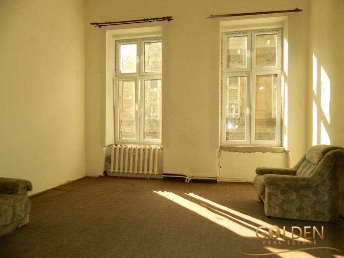Apartament de vanzare in Arad cu 2 camere, cu 1 grup sanitar, suprafata utila 48 mp. Pret: 32.800 euro.