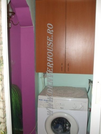 vanzare apartament cu 2 camere, semidecomandat, in zona Sega.Zona 3, orasul Arad