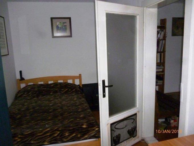 Apartament cu 2 camere de vanzare, confort 2, zona Intim,  Arad