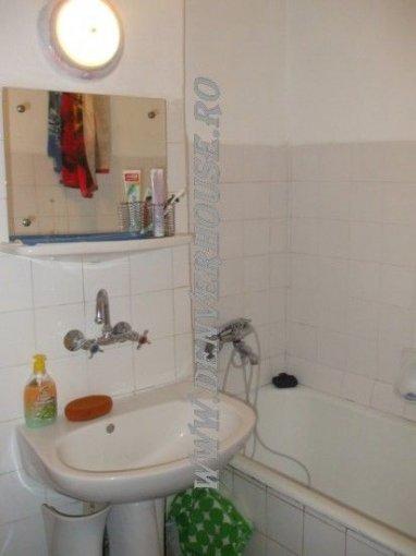 vanzare apartament semidecomandat, zona Sega, orasul Arad, suprafata utila 56 mp