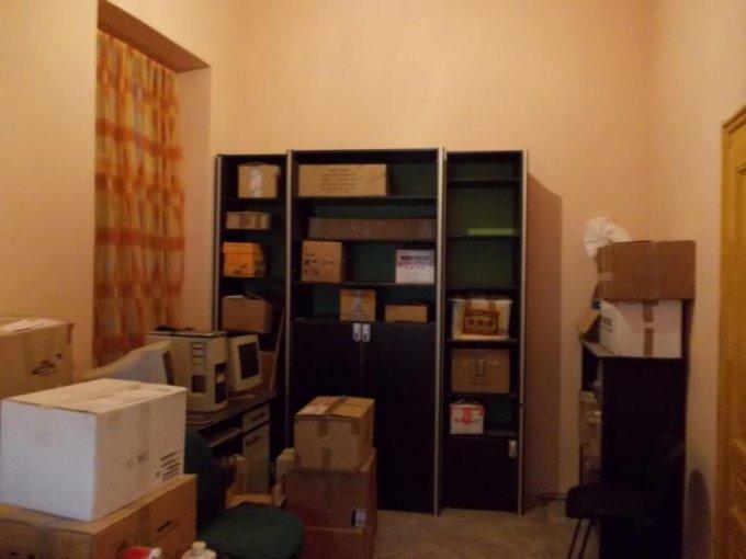 vanzare apartament cu 2 camere, decomandat, in zona Piata Catedralei, orasul Arad