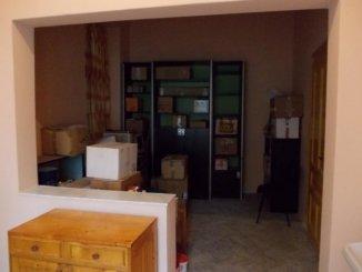 vanzare apartament decomandat, zona Piata Catedralei, orasul Arad, suprafata utila 56 mp