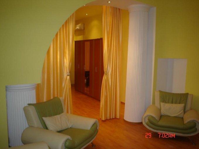 vanzare apartament decomandat, zona Ultracentral, orasul Arad, suprafata utila 76 mp