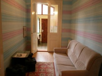 vanzare apartament decomandat, zona Ultracentral, orasul Arad, suprafata utila 80 mp