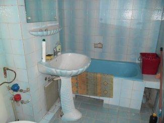 vanzare apartament cu 2 camere, decomandat, in zona Micalaca, orasul Arad