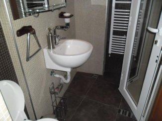 vanzare apartament cu 2 camere, decomandat, in zona Malul Muresului, orasul Arad