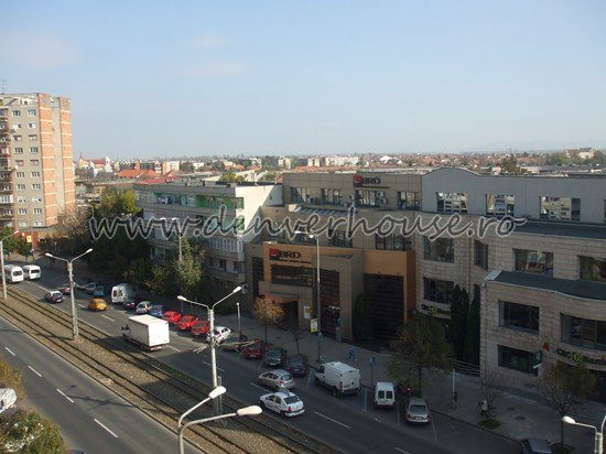 agentie imobiliara vand apartament decomandat, in zona Bancilor, orasul Arad