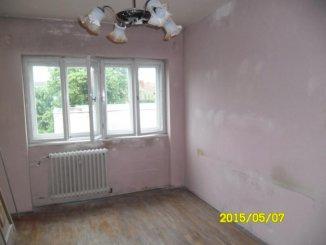 vanzare apartament decomandat, zona Ultracentral, orasul Arad, suprafata utila 70 mp
