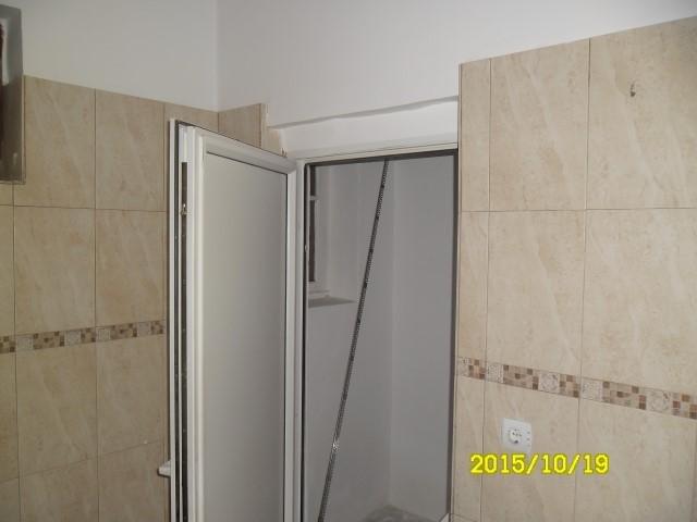vanzare apartament cu 2 camere, semidecomandat, in zona Parneava, orasul Arad
