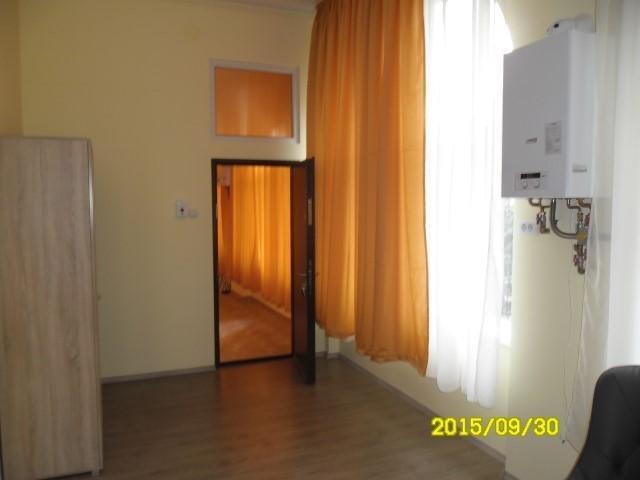 vanzare apartament semidecomandat, zona Ultracentral, orasul Arad, suprafata utila 65 mp