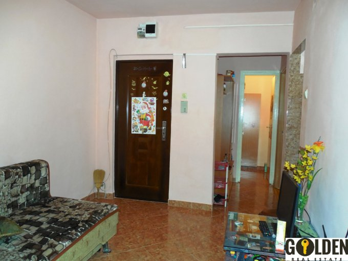 vanzare apartament cu 2 camere, decomandat, in zona Aurel Vlaicu, orasul Arad
