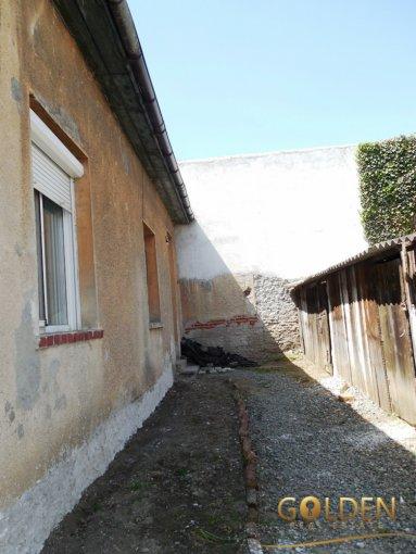 vanzare apartament cu 2 camere, decomandat, in zona Intim, orasul Arad
