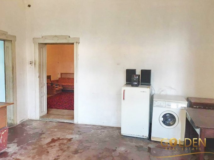 vanzare apartament cu 2 camere, decomandat, in zona Fortuna, orasul Arad