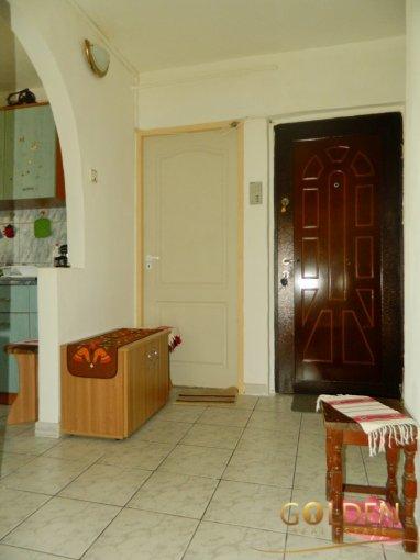 vanzare apartament decomandat, zona Alfa, orasul Arad, suprafata utila 70 mp