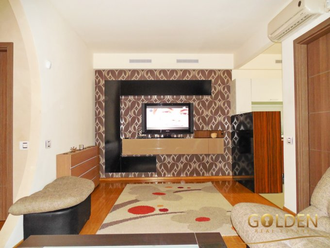 vanzare apartament cu 2 camere, decomandat, in zona UTA, orasul Arad