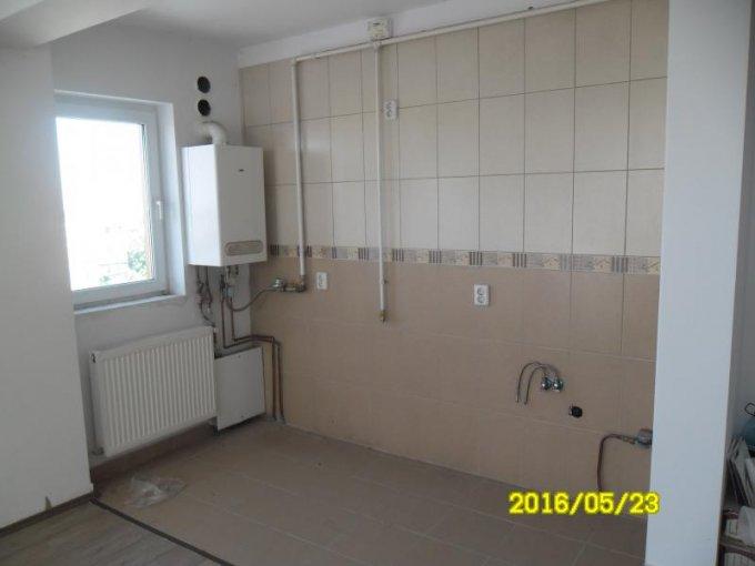 agentie imobiliara vand apartament semidecomandat, in zona Confectii, orasul Arad