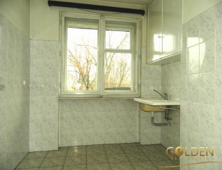 agentie imobiliara inchiriez apartament semidecomandat, in zona Ultracentral, orasul Arad