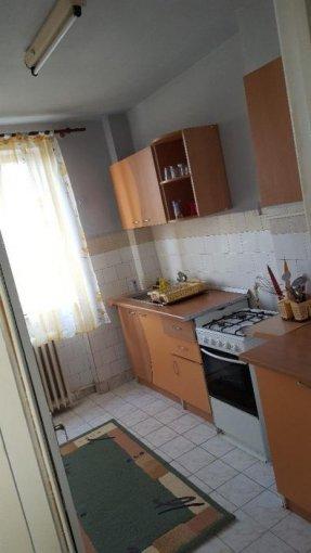 Arad, zona Gara, apartament cu 2 camere de inchiriat, Mobilat modest