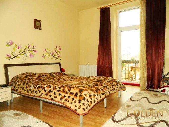 Apartament vanzare Arad 2 camere, suprafata utila 95 mp, 2 grupuri sanitare, 1  balcon. 44.000 euro negociabil. Etajul 2 / 2. Apartament Intim Arad