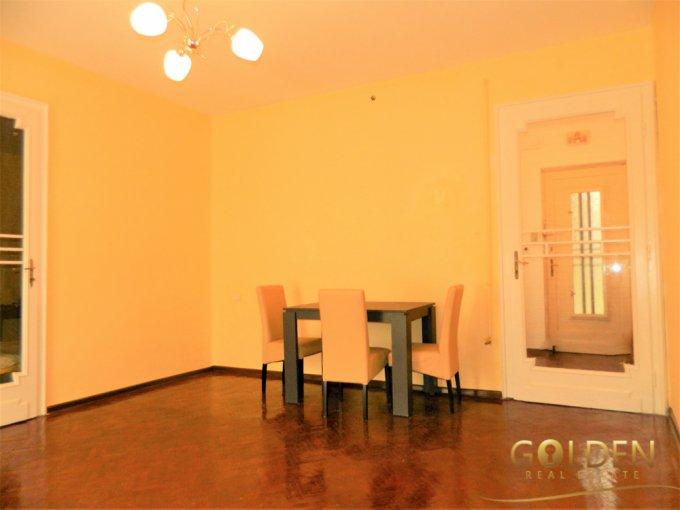 Apartament de vanzare in Arad cu 2 camere, cu 1 grup sanitar, suprafata utila 70 mp. Pret: 51.500 euro negociabil.