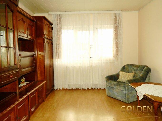 Apartament de vanzare direct de la agentie imobiliara, in Arad, in zona Centru, cu 43.900 euro negociabil. 1 grup sanitar, suprafata utila 73 mp.