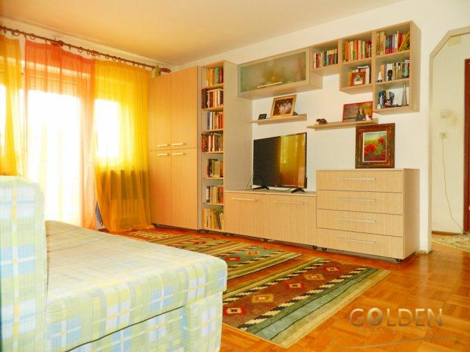 Apartament de vanzare direct de la agentie imobiliara, in Arad, in zona Micalaca, cu 43.500 euro negociabil. 1 grup sanitar, suprafata utila 61 mp.