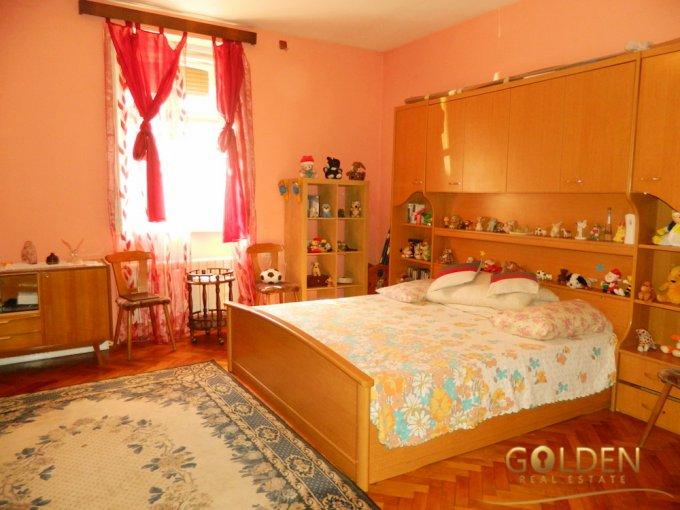 Apartament de vanzare in Arad cu 2 camere, cu 1 grup sanitar, suprafata utila 80 mp. Pret: 38.500 euro negociabil.