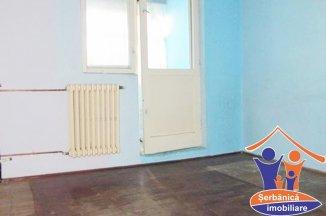 Apartament cu 3 camere de vanzare, confort 1, zona Confectii,  Arad