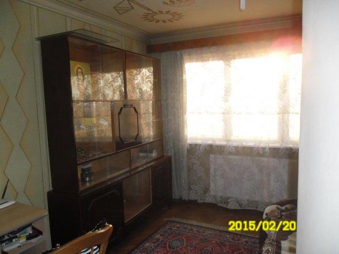 Apartament cu 3 camere de vanzare, confort 1, zona Boul Rosu,  Arad