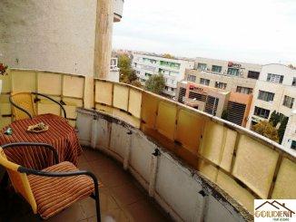 Apartament cu 3 camere de vanzare, confort 1, zona B-dul Revolutiei,  Arad