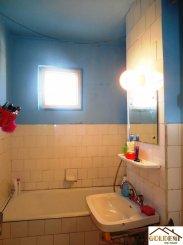 Apartament cu 3 camere de vanzare, confort 1, zona Gara,  Arad