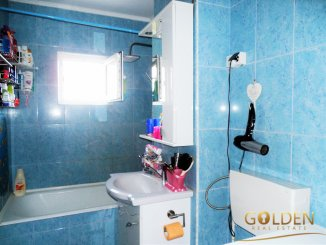 Apartament cu 3 camere de vanzare, confort 1, zona Micalaca,  Arad