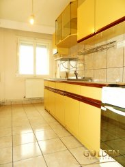 vanzare apartament semidecomandat, zona Aurel Vlaicu, orasul Arad, suprafata utila 75 mp