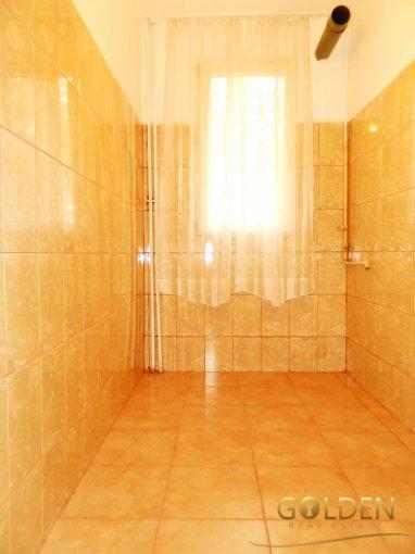 inchiriere apartament cu 3 camere, semidecomandat, in zona Aurel Vlaicu, orasul Arad