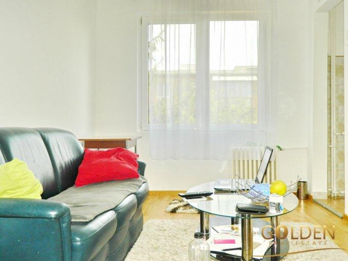 vanzare apartament cu 3 camere, semidecomandat, in zona Aurel Vlaicu, orasul Arad