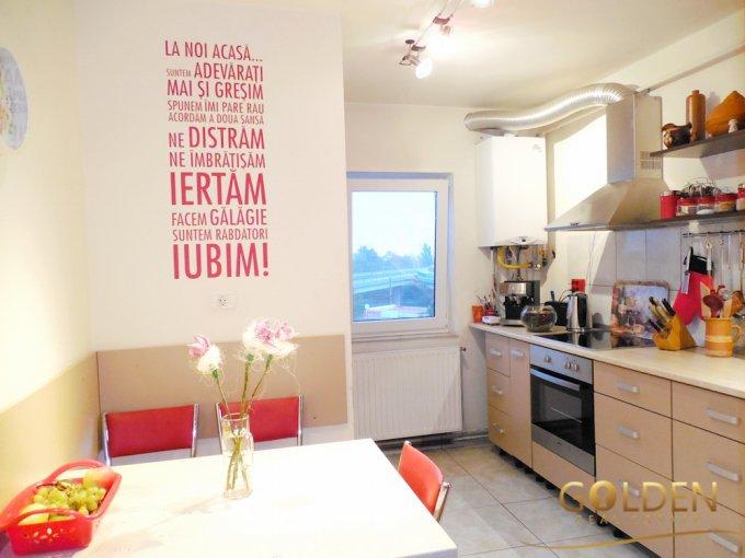Apartament de vanzare direct de la agentie imobiliara, in Arad, in zona Centru, cu 55.000 euro negociabil. 1  balcon, 2 grupuri sanitare, suprafata utila 80 mp.